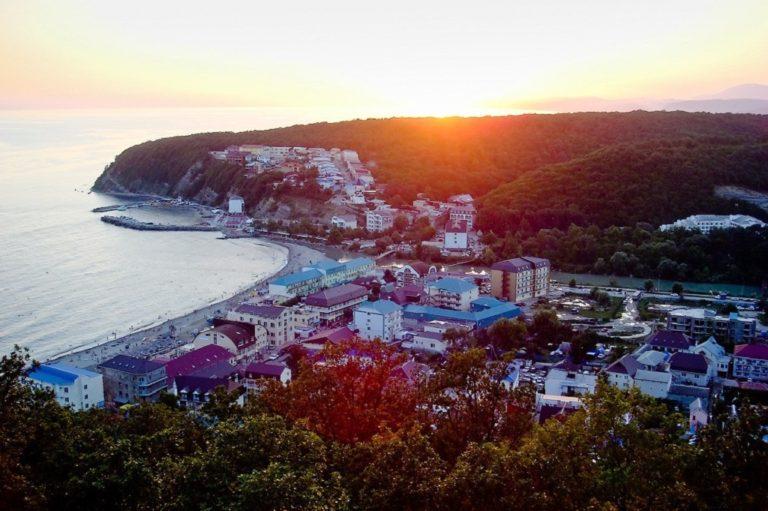 Поселок Новомихайловский