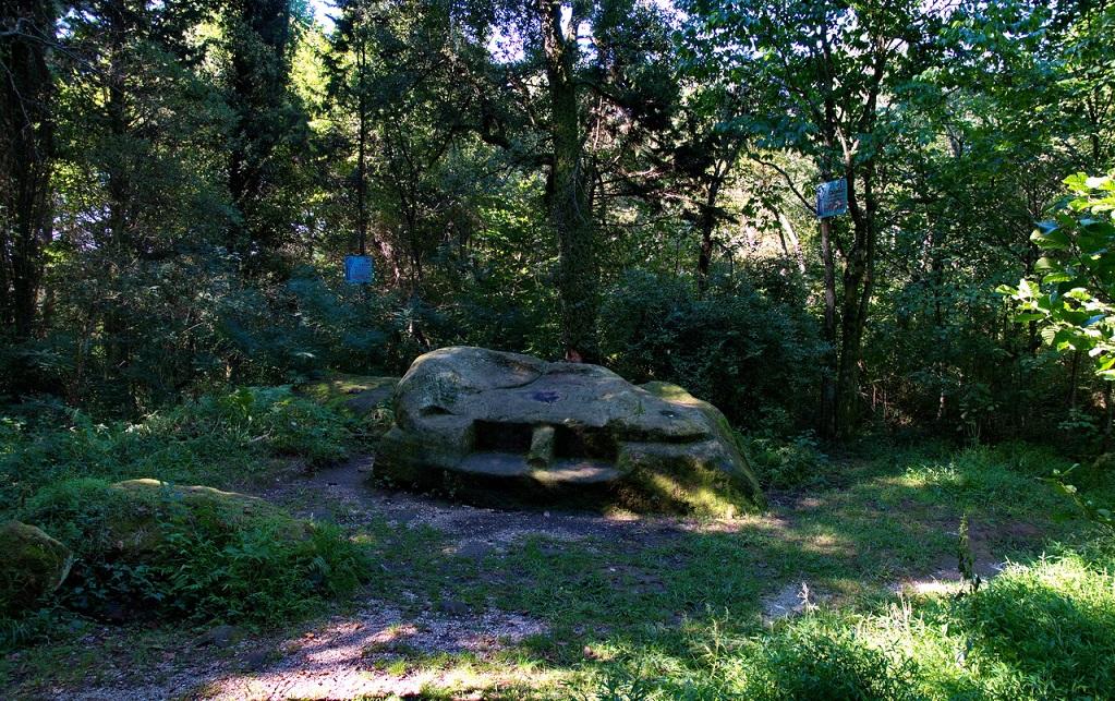 жертвенный камень