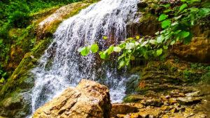 водопад на Лаго Наки